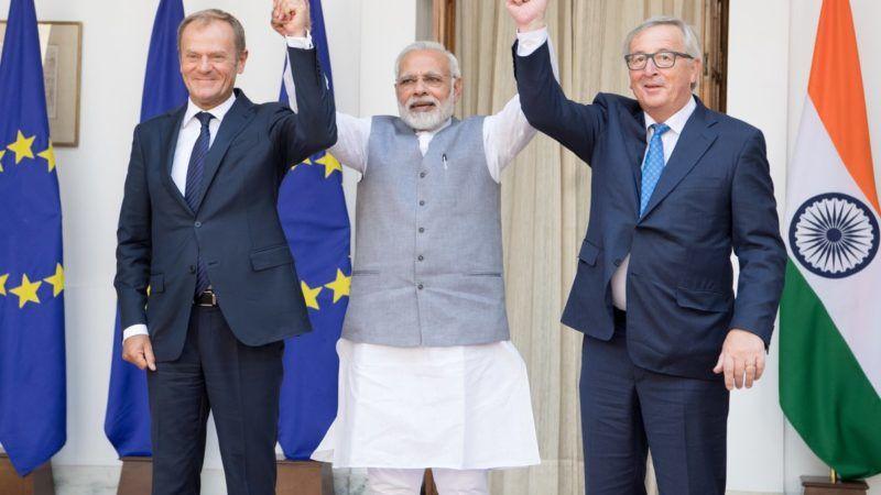 Przewodniczący Rady Europejskiej Donald Tusk, premier Indii Narendra Modi oraz przewodniczący Komisji Europejskiej Jean-Claude Juncker, źródło European Commision