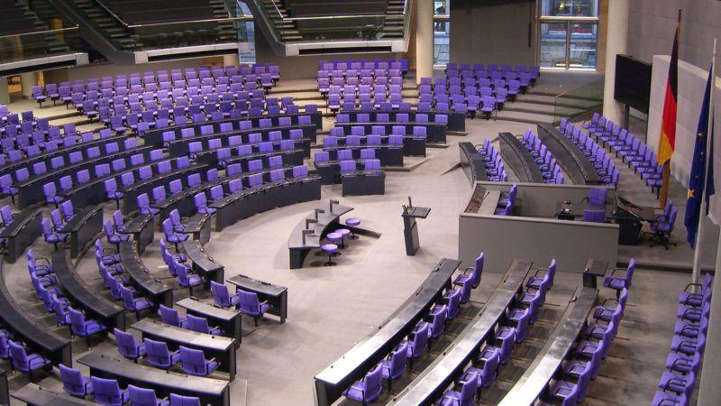 Sala plenarna Bundestagu, źródło Wikipedia